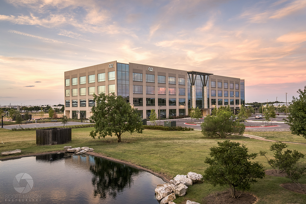 an exterior phot of Aspen Lake building in Austin