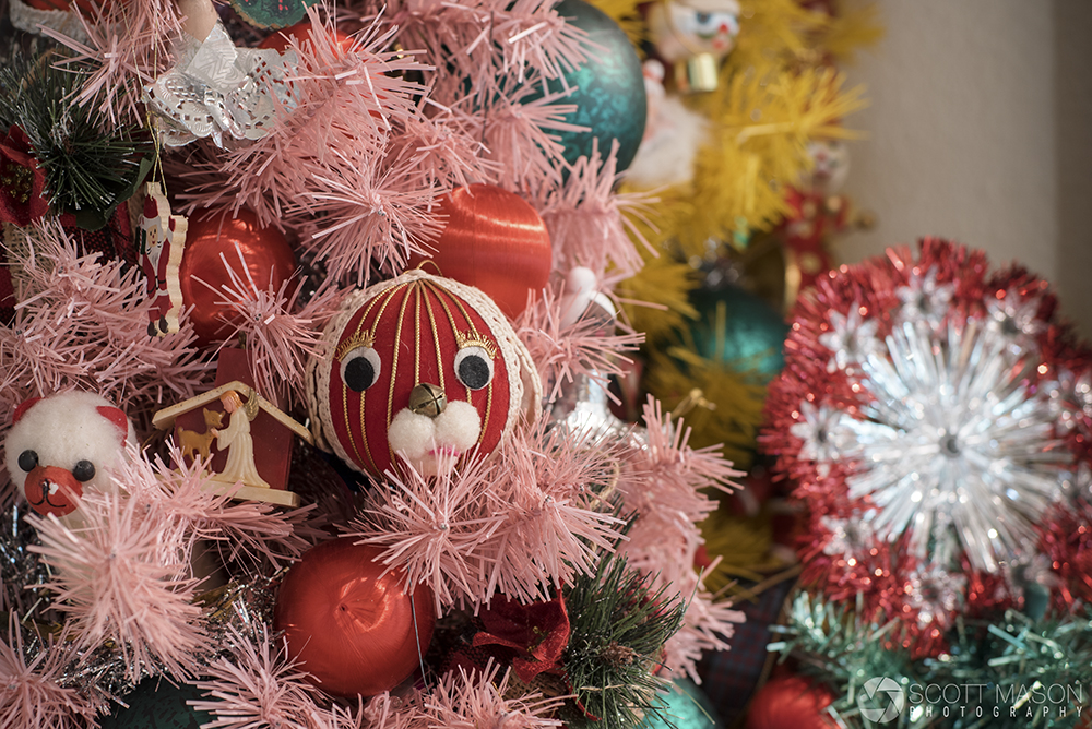 a dog ornament on a christmas tree