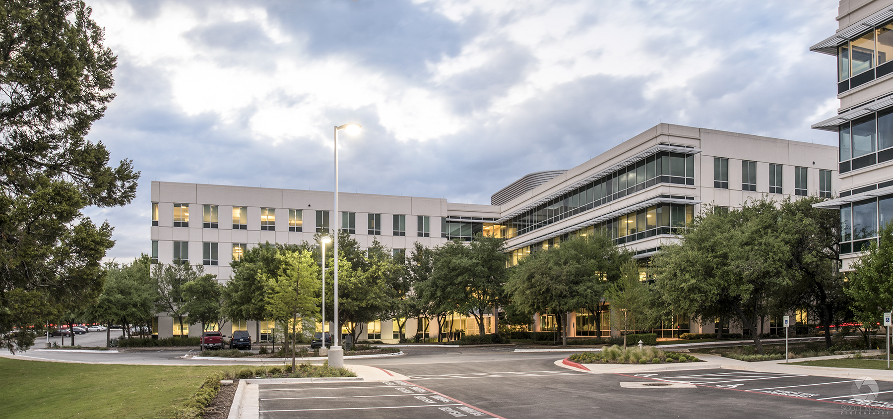 an exteior phot of Research Plaza building in Austin, TX