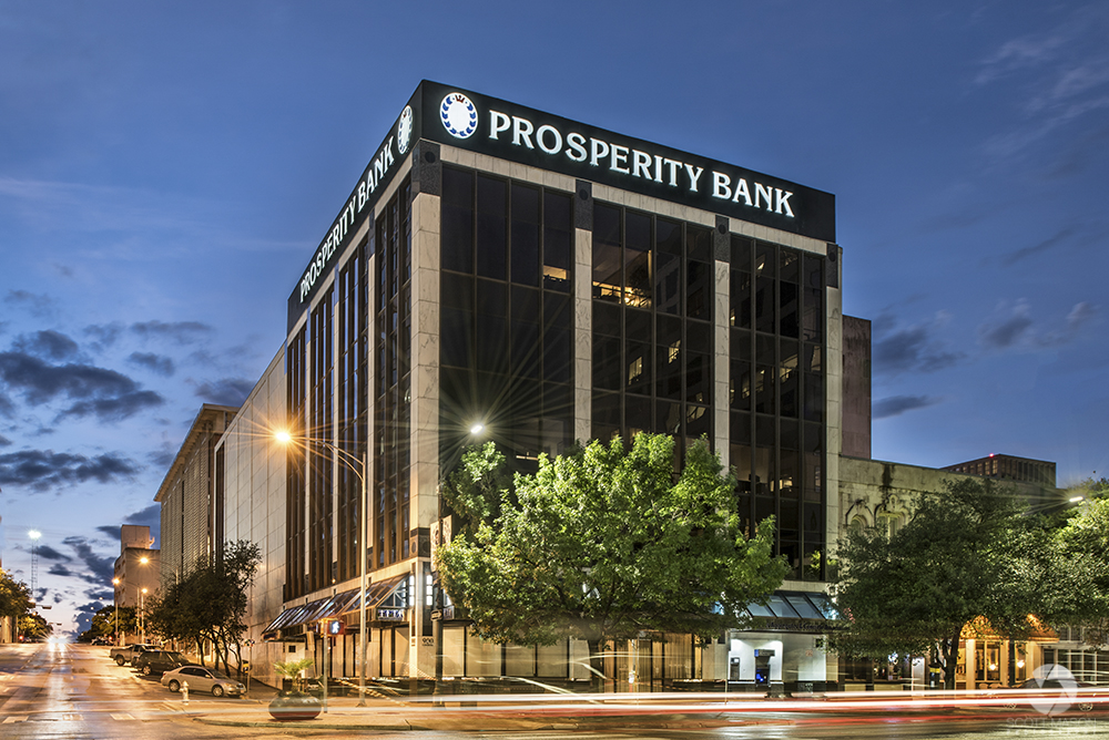 An exterior architectural photo of the 900 Congress building in Austin Texas